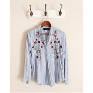 Francesca's | Flower Embroidered Button-Up